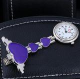 Yxl-960 Ontwerp van het Liefje van het Horloge van de Verpleegster van het Metaal van het Kwarts van de Prijs van de fabriek het FOB- met het Glimlachen van Horloge van de Klem van het Gebruik van het Gezicht het Medische