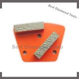 Этап скрепления металла диаманта трапецоида для точильщика пола