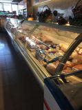 De gebogen Koeler van het Vlees van de Delicatessenwinkel van de Vertoning van het Glas