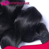 加工されていない100%自然なインドの人間の毛髪の緩い波のよこ糸