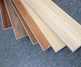 贅沢な床タイルPVC床Spcのビニールのフロアーリング木穀物