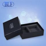 Boîte noire mate de carton