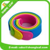 さまざまなSizes Eco-Friendly Candy Color Silicon Slap Bracelets