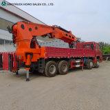 Sinotruck 371HP 6X4のトラックトラック取付けられたクレーントラック5トンの