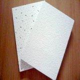 Fiberglas-akustische Decke deckt quadratischer Rand-Mineralholzfaserplatte mit Ziegeln