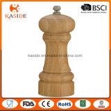 Il manuale di bambù gestisce il laminatoio di pepe e del sale