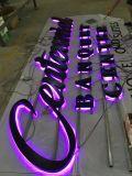 Entrée RVB de la publicité extérieure de l'acrylique signe la lettre du canal inverse