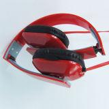 OEMの品質のカスタマイズされたロゴのステレオのワイヤーで縛られたスポーツのヘッドホーン