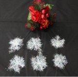 O Natal de prata Ornaments - os ornamento de prata do Glitter - as árvores de prata, os flocos de neve de prata e os sinais de prata do Feliz Natal - gancho das decorações do Natal