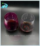 El plástico vasos para beber el cáliz del vino