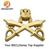 Distintivi su ordinazione del metallo dell'oro con l'aquila