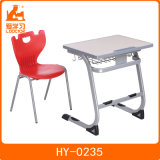 ティーネージャーの机及び椅子の調節可能な教室の机の鋼鉄教室の家具