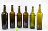 Het embleem maakt de Fles van het Glas van de Wijn/van de Alcohol met Groene Kleuren in reliëf
