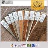 Plancher de vinyle de bureau de peau et de bâton d'aperçu gratuit