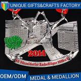 カスタマイズされたリボンが付いている最も新しい金属メダル