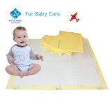 Base disponible del cuidado del bebé bajo la pista