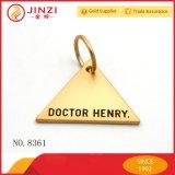 三角形の形の金エナメルはネームプレートのロゴの札の昇進のギフトを刻む