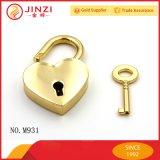 Le blocage à extrémité élevé de coeur de forme d'amoureux d'or a placé avec la clé pour des accessoires de sac