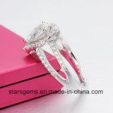 Handhabung- am Bodenfarben-leuchtendes Birnen-Schnitt Moissanite Jennie Band-Silber überzogener Form-Ring