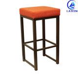 바 가구 튼튼한 직물 금속 프레임 백레스트 없는 편한 바 의자 (LT-BC013)