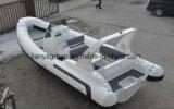 Liya 7.5m снаружи на лодке с двумя мотор