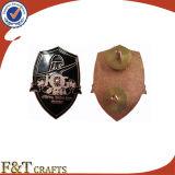 Значок Pin школ Pin оптовым изготовленный на заказ отворотом металла значка кроны дешевый