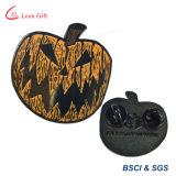 Incandescenza all'ingrosso di modo nel Pin scuro del risvolto di Halloween