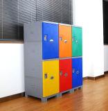 Armadio di plastica di ginnastica con l'armadio