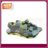 Neue Form-flache Sandelholz-Schuhe für Männer