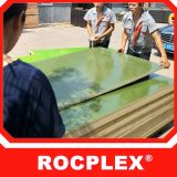 A película verde plástica dos PP enfrentou a madeira compensada 18mm 2440X1220