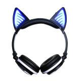 Sobre o auscultadores sem fio de Bluetooth do gato estereofónico claro do diodo emissor de luz da orelha