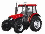 坑夫が付いているYto 60HP 4X4の耕作トラクター