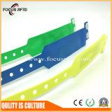 Resistente al agua de PVC de alta calidad Disponible PULSERA RFID con logotipo impreso