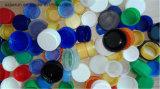 기계를 만드는 플라스틱 물병 모자