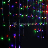 Im Freien gelbes Eiszapfen-Licht des Weihnachtenled, das feenhaftes Licht Wedding ist
