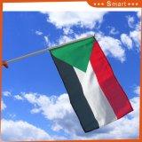 Commerce de gros Marquage personnalisé Mini Soudan Drapeau tenue en main