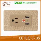 Klassの熱い販売の2つの方法USBの充電器の電気ソケット
