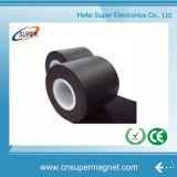 Aimant en caoutchouc de feuille magnétique flexible avec auto-adhésif