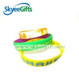 Wristband di gomma personalizzato del silicone di marchio doppio di strato per la promozione