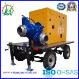 Uno mismo del transporte de las aguas residuales que prepara la bomba diesel del acoplado