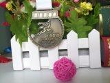 La medalla de encargo del maratón de la fuente que compite con la medalla corriente de la medalla se divierte la medalla