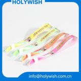 Браслеты сублимации ткани Wristbands сатинировки способа цветастые