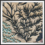 敏感な網の刺繍のレースの花によって刺繍されるレース