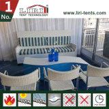 Mini acondicionador de aire al aire libre temporal de la tienda con las sillas para la recepción del VIP