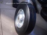 Una rotella di gomma solida da 8 pollici