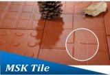 Mattonelle di ceramica del pavimento e della parete della cava rossa