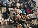 アフリカによって使用される人の靴、使用された女性の靴のための使用された靴卸しで