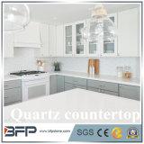 Белый Countertop кварца для крытой кухни