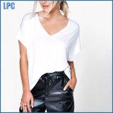 T-shirt desserré surdimensionné de blanc de plaine de V-Collet de femmes