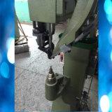 Автоматический подавать пригвождает машину пряжек заклепок пробивая